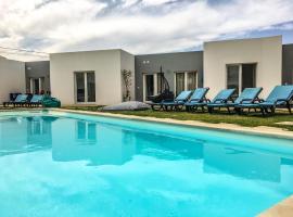 Furnaka Eco Village, hotel near Dino Park Lourinha, Lourinhã