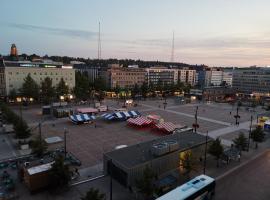 Huone Lahen ytimessä., hotel in Lahti