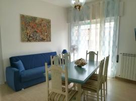 Flowers House Umberto, apartment in Formia