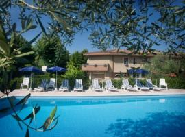 Hotel Lory, hotel near Baia delle Sirene Park, Garda