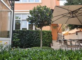 Primavera 2 Hotel, отель в городе Пазарджик