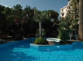 Reginna Palace Hotel, hotel with pools in Maiori