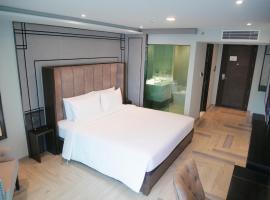 First Pride Hotel, hotel in zona Centro Commerciale Siam Paragon, Bangkok