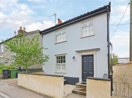 Best located and beautifully renovated cottage, hotel in Diss