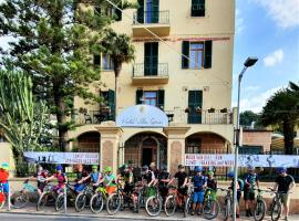 Villa Gina, hotel a Finale Ligure