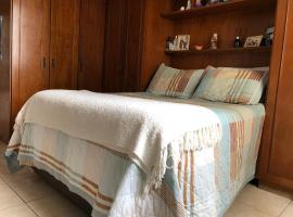 Apt confortável perfeito para trabalho ou férias, apartment in Florianópolis