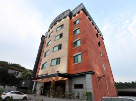 Yongin Monterey 17 Hotel, room in Yongin
