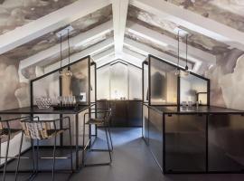 Casa Trentini - Atemporary Art Apartments, hotel near Centro Servizi Culturali Santa Chiara, Trento
