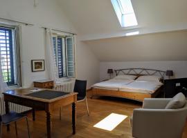 Rooms-Zimmer, hotel near Rhine Falls, Neuhausen am Rheinfall