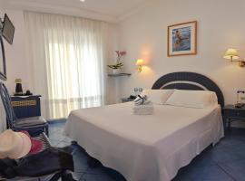 Hotel Pensione Reale, отель в Майори