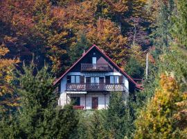 Kuća za Odmor Gorski Raj / The Mountain Paradise Holiday House, room in Lokve