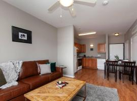 University Flat + Pool + Gym, apartment in Ames