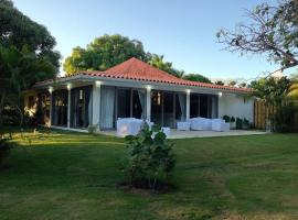 Casa Azul, spa hotel in La Romana