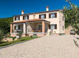 Villa Poduniz, holiday home in Punat