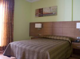 Hotel 4C Puerta Europa, hotel near Paseo de la Castellana, Madrid