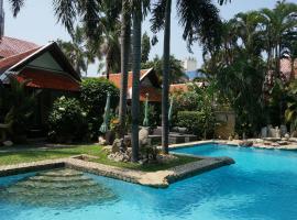 LePrive Resort, hotel in Pattaya South