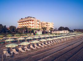 UNAWAY Imperial Beach Hotel, hotell i Marotta