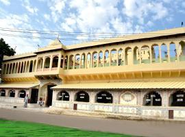 Hotel Shahi Palace, room in Mandāwa