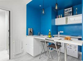Stunning Apt in France by GuestReady, self catering accommodation in Boulogne-Billancourt