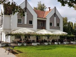Parkova, отель в Голдапе