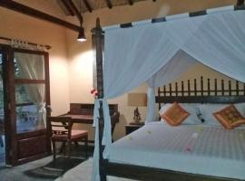Waiara Village Guesthouse, pet-friendly hotel in Maumere