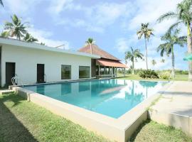 Manor back water resort, accessible hotel in Kumarakom