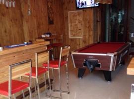 Apple bar&Room, отель в Камала-Бич