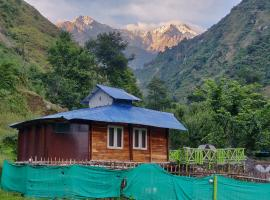 The Solitude Camp, luxury tent in Pālampur
