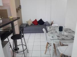 Apartamento Stela Maris Praia e Aeroporto, hotel near Solar do Unhao, Salvador