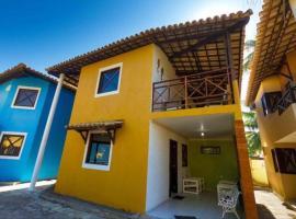 Casa com piscina a 50 metros da praia, pet-friendly hotel in Barra de São Miguel
