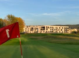 Greenbay Golf Apartments, apartmán v Trenčíne