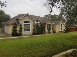 The Retreat, villa in San Antonio