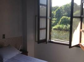 Pousada Dona Siroba Beira Rio, apartment in Morretes