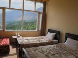 Hotel Swans, hotel in Hunza