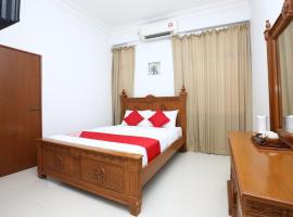 OYO 89435 Nusantara Group Hotel, hotel di Jertih