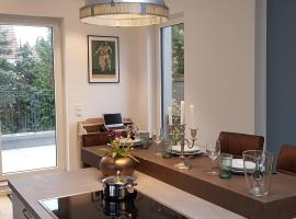 Fantastic Penthouse-Apartment 72 sqm 10min to Messe, hotel in Frankfurt/Main