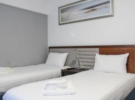 Heathrow Lodge, hotel near Heathrow Terminal 2, Hillingdon