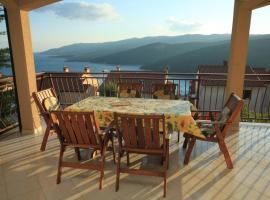 Apartments with a parking space Rabac, Labin - 7442, luxury hotel in Rabac