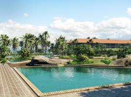 Cinnamon Bentota Beach - Level 1 Safe & Secure, отель в Бентоте