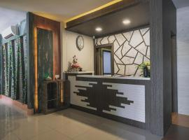 RedDoorz Plus near Pantai Coastarina 2, homestay in Batam Center
