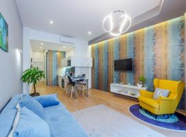 Amber / Navy Design Apartments with A/C
