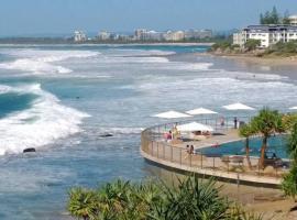 Family, Romance, Fun on Kings Beach, hotel in Caloundra