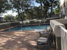 Holiday Inn Express - Naples South - I-75, hotel in Naples