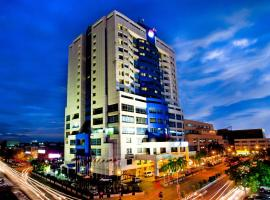 Mega Hotel, hotel in Miri