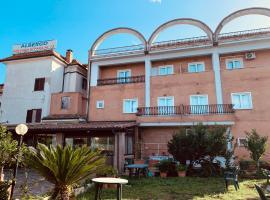 FONTANA DI PAPA AL 12°, hotel in Ariccia