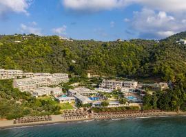 Kassandra Bay Resort, hotel in Vassilias