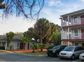 InTown Suites Extended Stay Orlando FL - South, hotel perto de The Florida Mall, Orlando