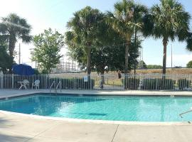 InTown Suites Extended Stay Orlando FL - Universal, hotel near Mall at Millenia, Orlando