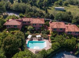 Residenze Al Colle Dei Pini, apartment in Riccione