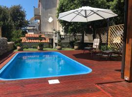 Bungalow with Pool in Mandre - [#124311], hotel in Mandre
